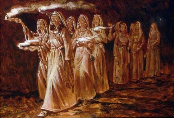 десять девушек идут со светильниками